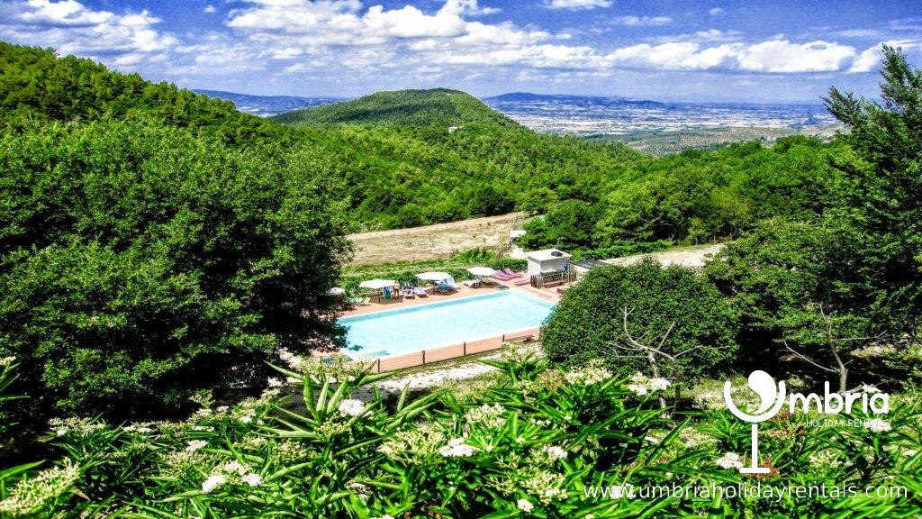 private shared pool, a few minutes walk, at Villa Marianna