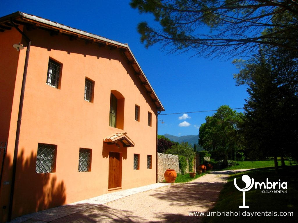 The Monastery Suites : A + B, identical, occupy the whole of this cottage
