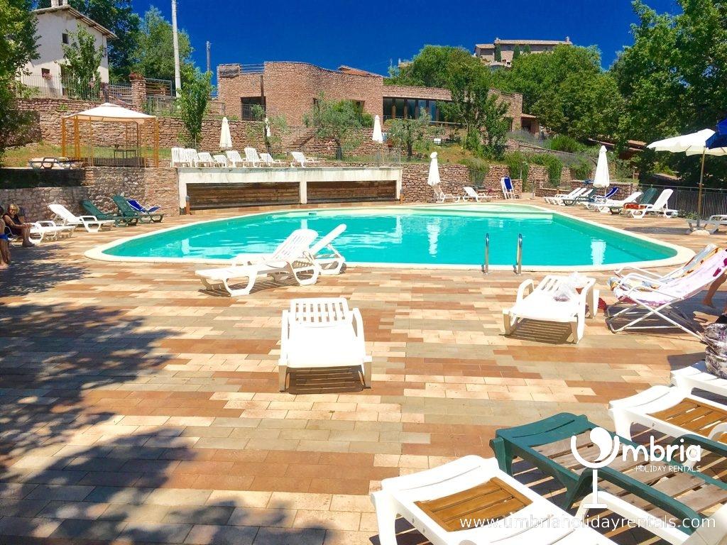 public pool/5 euros/day or 25 euros/week + restaurant at Macerino/5 kms