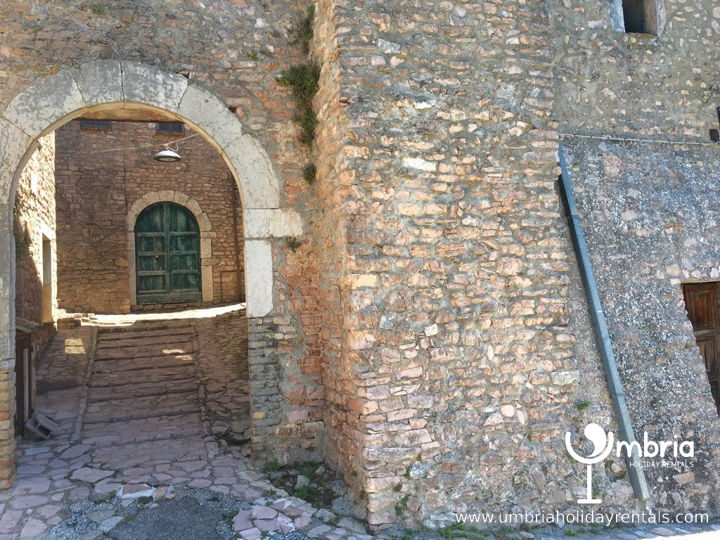 entrance to 9C Macerino Castle