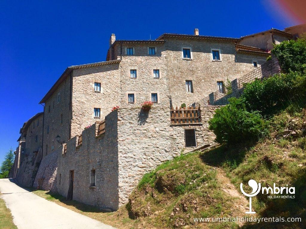 9C Macerino Castle